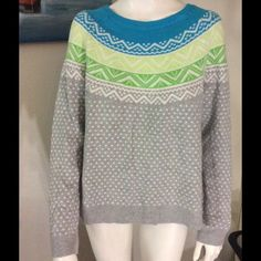 Beautiful GAP sweater. 10% rabbit hair, 20% nylon, 20% viscose and 50% cotton. Firm. GAP Sweaters