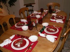 Christmas Table Setting with gingerbread cookie