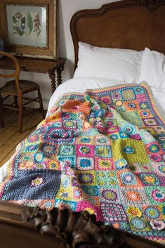 The Vintage Sweethearts blanket by Cherry Heart. Originally part of the Crochet . : The Vintage Sweethearts blanket by Cherry Heart. Originally part of the Crochet Now CAL this blanket was inspired by those wonderful crafting ladies in years gone by. Granny Square Crochet Pattern, Crochet Squares, Crochet Granny, Crochet Blanket Patterns, Knitting Patterns, Knitting Wool, Vintage Knitting, Double Knitting, Love Crochet