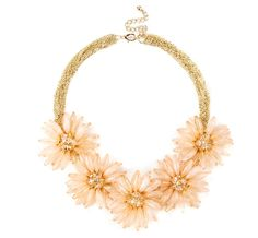 Oversized floral necklace. #hippy #70s