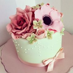 Pink and mint cake - by BellasBakery @ CakesDecor.com - cake decorating website