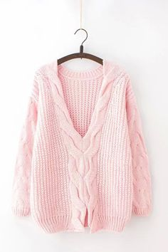This item is shipped in 48 hours, including the weekends. One size fits most… Look Fashion, Daily Fashion, Winter Fashion, Look Rose, Student Fashion, Cable Sweater, Cold Weather Outfits, Pullover, Sweater Weather