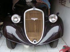 Veteráni - Škoda   Škoda 420 Populár Vintage Cars, Antique Cars, Charcoal Grill, Retro, Antiques, Vehicles, Outdoor Decor, Autos, Nostalgia