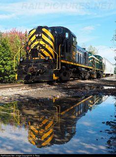 RailPictures.Net Photo: 4103 Delaware Lackawanna Alco RS-3 at Scranton, Pennsylvania by M. S. Repp