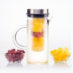 bobuCuisine's Juice Boost Infusion Pitcher – Get Healthy and Drink More Delicious Water – High-quality Borosilicate Glass – Super Stylish Design with Stainless Steel Lid – Built in Strainer for a Complete Blended Drink, 33 Oz Smoothie Drinks, Detox Drinks, Fun Drinks, Yummy Drinks, Healthy Drinks, Get Healthy, Healthy Smoothies, Eating Healthy, Healthy Snacks