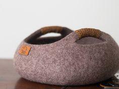 Katze: Schlafplätze - Filzen Katzenkorb/Körbchen/verschiedene Farbe - ein Designerstück von elevele bei DaWanda
