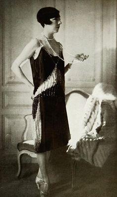 Les Modes (Paris) November 1927 Robe du soir par Philippe & Gaston