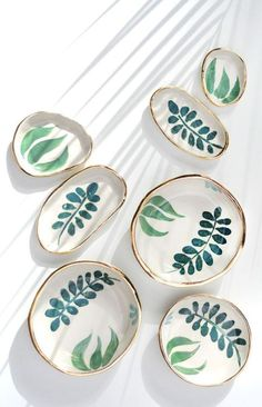 Handmade Ceramics by LiquoriceMoonStudios - These would make FANTASTIC jewelry display plates…Hand Painted Gold Rimmed Stoneware Dishes Pottery Painting Designs, Pottery Designs, Paint Designs, Pottery Ideas, Diy Clay, Clay Crafts, Clay Projects, Ceramic Painting, Ceramic Art