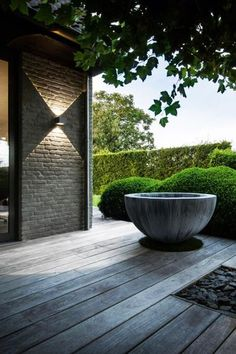 exterior Lighting Design - Landscape Design Online 5 Hot Tips and Tricks Landscape Lighting Design, Modern Landscape Design, Modern Landscaping, Garden Landscaping, Landscaping Software, Landscaping Ideas, Exterior Lighting, Outdoor Lighting, Outdoor Decor