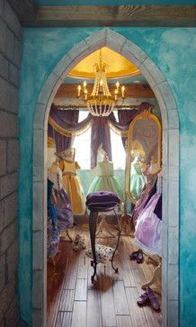 A dressing room fit for a Princess~ Gorgeous little girls play dress-up room