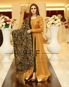 Pakistani Dresses Party, Beautiful Pakistani Dresses, Shadi Dresses, Pakistani Fashion Party Wear, Pakistani Wedding Outfits, Indian Fashion Dresses, Pakistani Dress Design, Fancy Dress Design, Bridal Dress Design