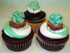 mint chocolate chip cupcakes for st. pattys day