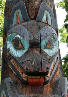 Fairbanks University of Alaska Museum of the North  Wolf Totem Pole