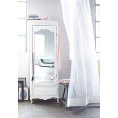 Vom Barock inspiriert: Schrank mit Spiegeltür mit hübschen Details und weißer Lackierung mit Antik-Finish. Mit Spiegeltür und Schublade Knäufe an Tür und Schublade in Form von Kristallen.
