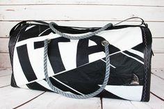 Recycled sail duffel - dacron with ITA - Bolina Sail    #duffle #sailbags #vela #borsone #sailing #recycled #madeinitaly #handmade #artigianato #riciclo