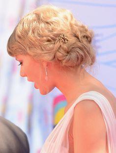 Taylor Swift Twisted Bun