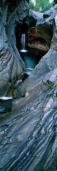 by Ken Duncan photography - Known locally as 'The Spa', this delightful chamber in Western Australia´s Hamersley Gorge beckons the visitor Spring-fed, it is wonderfully cool, a refuge from the burning heat of the surrounding Pilbara. Places To Travel, Places To See, Places Around The World, Around The Worlds, Beautiful World, Beautiful Places, Magic Places, Photos Voyages, Natural Wonders