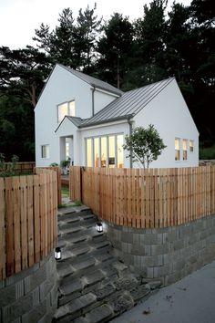 Minimal House Design, Modern Small House Design, Minimal Home, Minimalist Architecture, Minimalist Home Interior, Architecture Design, Home Building Design, Building A House, Facade Design