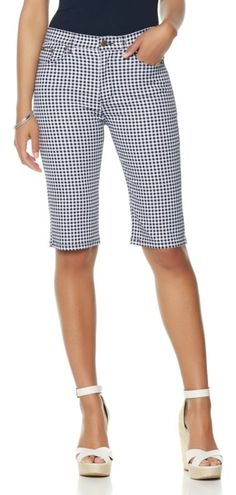 Everyone will be crushing on your cutie gingham crops everywhere you go! Embrace this spring/summer's hottest trend with these Diane Gilman gingham shorts! How would you style these?