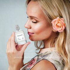 Válassz illatot,  hunyd le a szemed és hagyd felébredni érzékeidet!  A PROUVE parfümök bár szerény csomagolásban, de a nagyszerű és jól ismert francia aromák gazdag világát rejtik, melyek nők és férfiak millióinak kedvenceivé váltak.  Az egyszerű, világos üveg olyan erőt rejt, amelynek ereje és tartóssága még a legmagasabb szintű elvárásokkal rendelkező parfümszakértőket is csodálatba ejti. Nem is lehet szavakkal kifejezni mindezt.