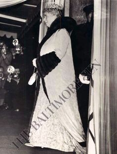 Not that Queen Mary kept the Delhi Durbar tiara for such grand occasions as the Durbar, she also wore it to the Opera in her later years.