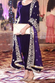 Pakistani Dresses Source by dress Shadi Dresses, Pakistani Formal Dresses, Pakistani Dress Design, Velvet Pakistani Dress, Dresses Dresses, Pakistani Fashion Party Wear, Pakistani Wedding Outfits, Indian Fashion, Designer Party Wear Dresses