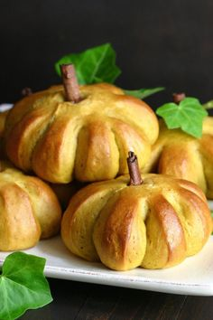 You Have Meals Poisoning More Normally Than You're Thinking That These Delightful Vegan Sweet Pumpkin Buns Feature The Comforting Flavor Of Pumpkin Along With Warm Spices And A Hint Of Sweetness. Pumpkin Recipes, Fall Recipes, Holiday Recipes, Pumpkin Buns Recipe, Bread Recipes, Vegan Recipes, Cooking Recipes, Tasty, Yummy Food