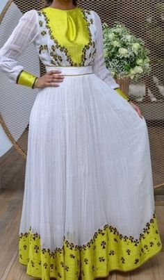Ethiopian Traditional Dress, African Traditional Wedding Dress, Traditional Outfits, Ethiopian Wedding Dress, Ethiopian Dress, Mommy Daughter Dresses, Habesha Kemis, Short African Dresses, White Sheath Dress