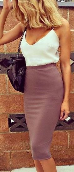 Breathtaking 45 Best Skirt Outfit Ideas for Summer https://clothme.net/2018/02/17/45-best-skirt-outfit-ideas-summer/