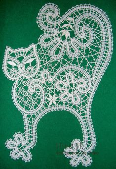 одноклассники Bruges Lace, Lace Art, Bobbin Lace Patterns, Lacemaking, Needle Lace, Crochet Fashion, Irish Crochet, String Art, Crochet Doilies