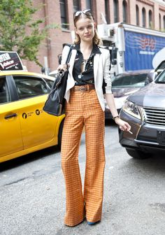 Fashion Week Street Style/LOL, she is werking them ergne pants. Dreams Style, Nyfw Street, Fashion Weeks, Fashion Plans, Fashion Passion, Classic Style, Ergn Pants, Dressed Worst Dresses, Street Style Lol