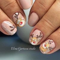 Here is a tutorial for an interesting Christmas nail art Silver glitter on a white background – a very elegant idea to welcome Christmas with style Decoration in a light garland for your Christmas nails Materials and tools needed: base… Continue Reading → Nail Art Noel, Xmas Nail Art, Cute Christmas Nails, Christmas Manicure, Christmas Nail Art Designs, Xmas Nails, Winter Nail Designs, Holiday Nails, Christmas Trees