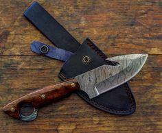 Damascus Knife, Damascus Steel, Knife Making Tools, Trench Knife, Vintage Gentleman, Skinning Knife, Buck Knives, Hunting Knives, Best Pocket Knife