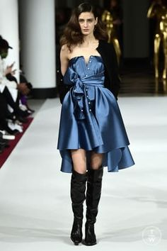 alexis_mabille_aw17_0021.jpg