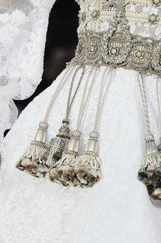 Frank Sorbier Haute Couture details - Spring 2014 (beading + tassels)