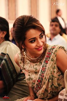 Get Tamil or Telugu Hottet Actress Trisha Krishnan Hot Images, Latest Pictures, HD Photos and New Spicy Sexy Bikini or Saree Bra Cleavage or Naval Showing Wallpapers. Saree Hairstyles, Wedding Hairstyles, Short Hairstyles, Pakistani Outfits, Indian Outfits, Indian Clothes, Trisha Saree, Indian Ethnic Wear, Indian Designer Wear