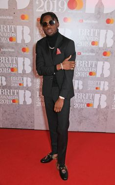 The hottest stars in music head down to the red carpet in the most dazzling fits on Wednesday Feb) in celebration of the 2019 BRIT Awards. Red Carpet Makeup, Red Carpet Hair, Red Carpet Ready, Red Carpet Looks, Sheer Gown, Silk Gown, Model Winnie Harlow, Black Bandeau, Wearing All Black