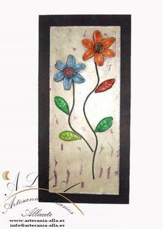 Cuadro con 2 flores. Material empleado: Pasta cerámica. Pintado a mano. Libre elección de los colores  Precio 48 € www.artesania-alla.es