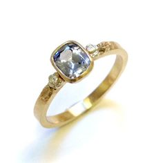 Sapphire and 9ct yellow gold ring by Beth Gilmour http://www.fldesignerguides.co.uk/engagement-ring-designer/bethgilmour