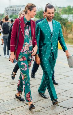MILAN FASHION WEEK, GUCCI SUITS, FLORAL SUIT, PATTERNED SUIT, MFW, TOMMY TON, STREET STYLE, MENSWEAR, GUCCI LOAFER, LUXURY FASHION