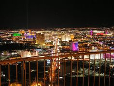 Las Vegas at Night Discount luggage - http://airplane-discount.com/category/travel-store/