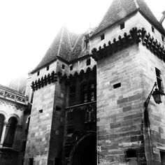 """See 277 photos and 3 tips from 1730 visitors to Neuchâtel. """"It means """"New Castle"""". Enjoy the view from the train station. Train Station, Newcastle, Louvre, Switzerland, Building, Places, Travel, Instagram, Voyage"""