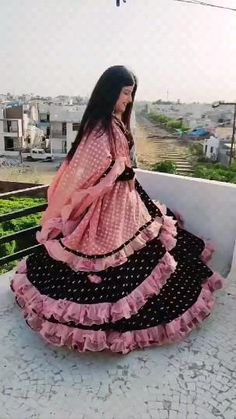 Indian Wedding Video, Indian Wedding Gowns, Party Wear Indian Dresses, Indian Fashion Dresses, Dress Indian Style, Indian Wedding Photos, Teen Fashion Outfits, Stylish Dress Designs, Stylish Dresses