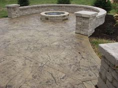 Stamped Concrete Patio Ideas Adding a Seating Wall, Columns or Fire Pit are great ways to give your new Stamped or Decorative Concrete Patio a finished look. Let Walkers Concrete use our expertise in helping you create the perfect Patio to compliment y Concrete Patios, Concrete Patio Designs, Cement Patio, Concrete Slab, Concrete Backyard, Flagstone Walkway, Concrete Overlay, Concrete Texture, Poured Concrete