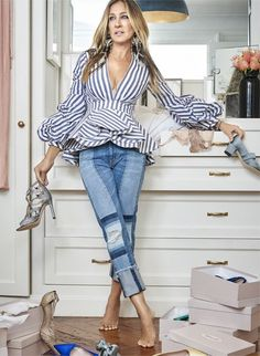 Sarah Jessica Parker can be your personal shopper. - Sarah Jessica Parker can be your personal shopper. Sarah Jessica Parker, Paris Chic, Street Chic, Street Mall, Look Fashion, Fashion Outfits, Womens Fashion, Fashion Ideas, Fashion Clothes