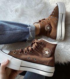 ig photo creds: @marine_audineau Dr Shoes, Hype Shoes, Me Too Shoes, Shoes Heels, Mode Converse, Brown Converse, Converse Tumblr, Converse Boots, Sneakers Fashion