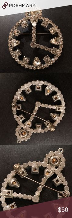 Beautiful vintage brooch pin clock Vintage pin brooch clock design with rhinestones Jewelry Brooches