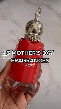 Perfume Scents, Perfume Bottles, Fragrance, Beauty Routine Tips, Perfume Organization, Bath And Body Works Perfume, Skincare Dupes, Top Perfumes, Skin Regimen