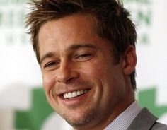 50 Diverse Brad Pitt Classic Hairstyles, Down Hairstyles, Brad Pitt Short Hair, Brad Pitt Fury Haircut, 90s Haircuts, Fight Club Brad Pitt, Pompadour Style, Undercut Styles, Growing Your Hair Out