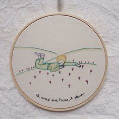 "Para os amantes de ""o pequeno príncipe"" {aquarela e bordado}  #clubedobordado… Embroidery Needles, Embroidery Hoop Art, Hand Embroidery Patterns, Cross Stitch Embroidery, Embroidery Designs, Fabric Crafts, Sewing Crafts, The Little Prince, Cross Stitching"